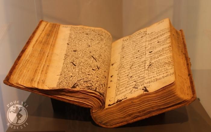 Carte matricolă școlară, Sibiu/Hermannstadt, 1598, expusă la Casa Teutsch, Muzeul Bisericii Evanghelice, Sibiu