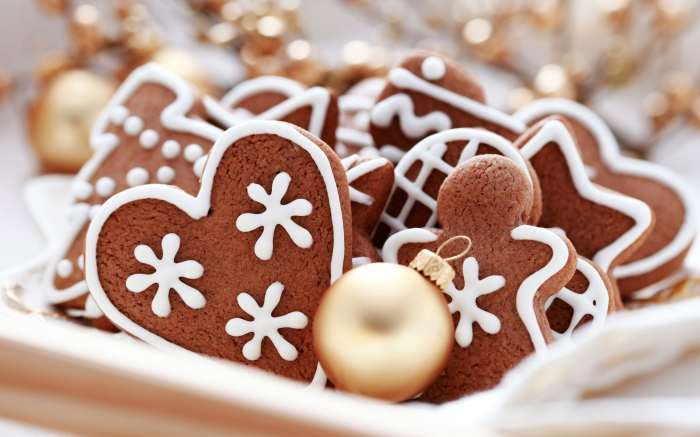 christmas-and-happy-new-year-gingerbread-heart_2560x1600_94309