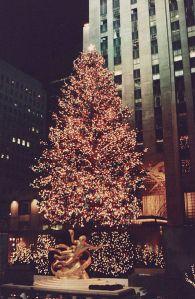 391px-Rockefeller_Center_Tree