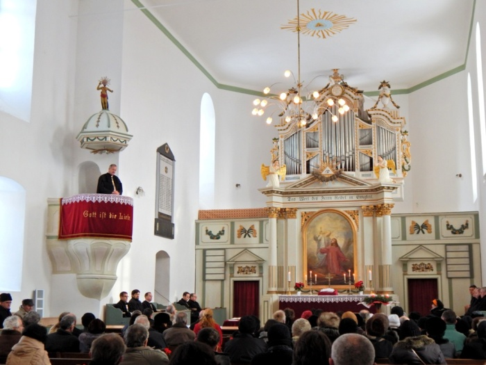 Biserica din Bod la slujba de  inaugurare din decembrie 2013.  Foto: Anamaria Ravar