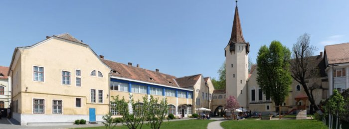 Teutsch Haus, Hof