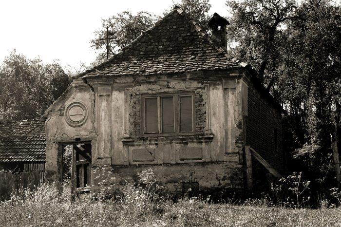 Umbra vieții de altădată. Gherdeal. Foto: Daniel Frățilă