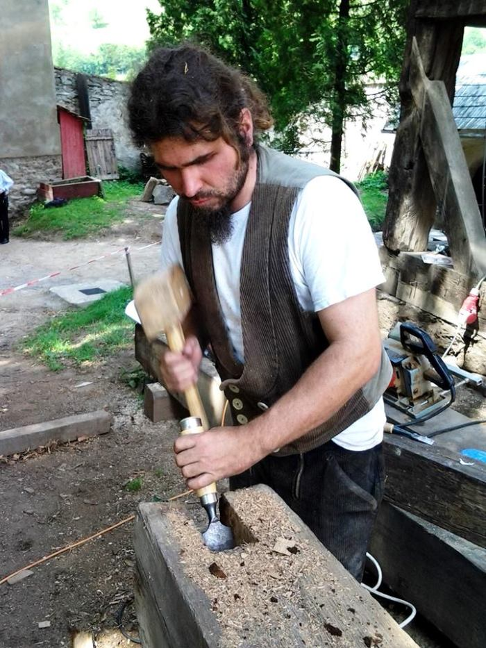 Christian Rummel lucrând la restaurarea bisericii fortificate din Biertan/Birthaelm