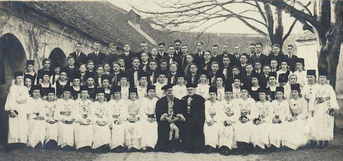 Tineri confirmați din Codlea/Zeiden, 1937, Sursa foto: Zeidner Nachbarschaft, zeiden.de