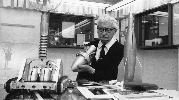 """Hermann Oberth (1894-1989). Sursa foto: wdr5 """"Nimic nu este imposibil în lume, omul trebuie doar să descopere mijloacele prin care poate reuși"""" spunea inventatorul Oberth."""